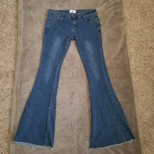 AC For AG Flare Raw Hem Jeans 31